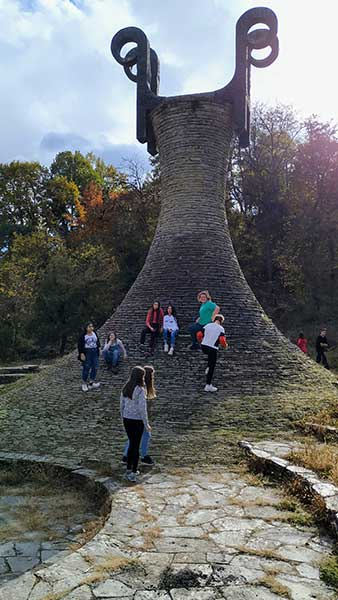 i-ovaj-kamen-zemlje-srbije-10B3C2D586-1B92-9534-8120-B7A21B09EA67.jpg
