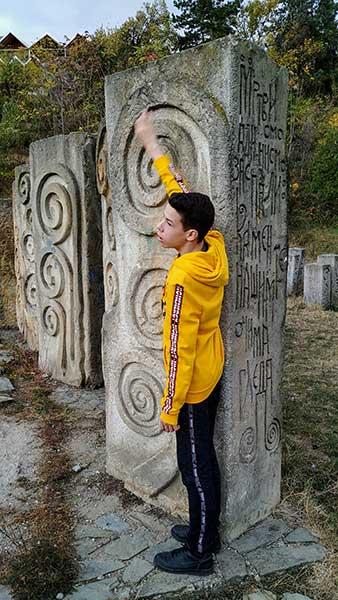 i-ovaj-kamen-zemlje-srbije-6B2E30A70-C524-DB13-1076-38F5B8CB809E.jpg