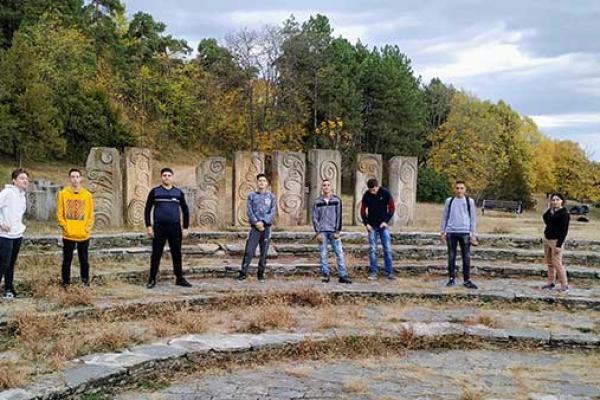 i-ovaj-kamen-zemlje-srbije-7533F32FA-C64C-D2D5-0A55-5E006682780A.jpg