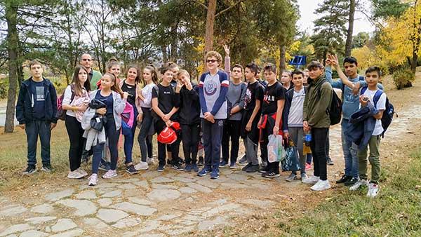 i-ovaj-kamen-zemlje-srbije-148AC95716-D7E5-C27F-BBDA-B5842EC79347.jpg